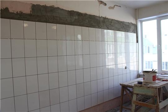 В процедурном кабинете Алатырской больницы идет косметический ремонт
