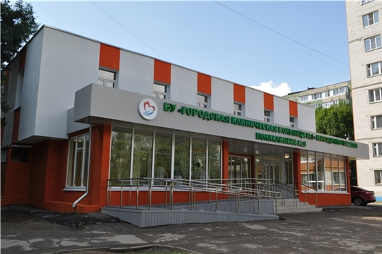 Олег Николаев посетил отремонтированную поликлинику в новоюжном районе города Чебоксары