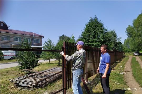 В Яльчикской центральной районной больнице ведутся ремонтные работы по благоустройству территории