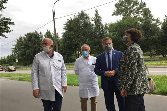 Министр здравоохранения Чувашии Владимир Степанов посетил Научно-исследовательский институт хирургии и неотложной медицины города Санкт-Петербурга