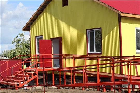 Министр здравоохранения Владимир Степанов ознакомился с ходом строительства ФАПа в деревне Вурман-Янишево