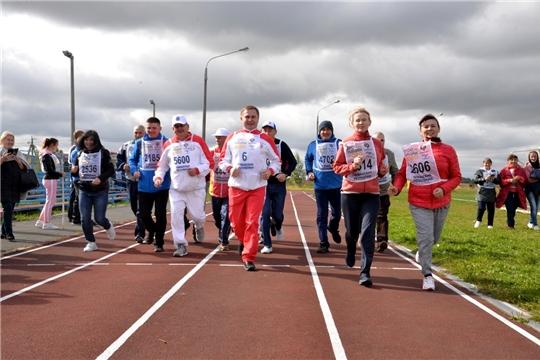 Министр здравоохранения Владимир Степанов принял участие во Всероссийском дне бега «Кросс Нации - 2020»  в Батыревском районе