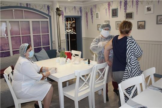 В Алатыре работают выездные бригады по вакцинации от гриппа