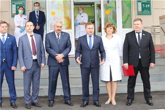 Министр здравоохранения Чувашии принял участие в открытии двух поликлиник на Южном поселке