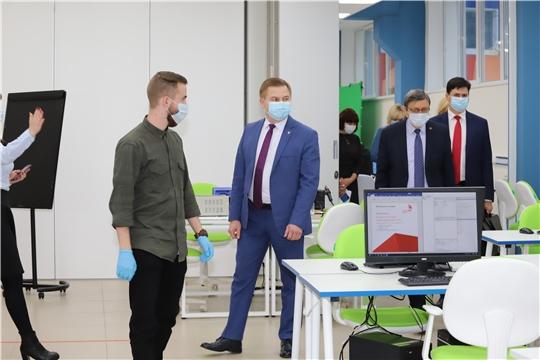 Министр здравоохранения Чувашии Владимир Степанов посетил Квантариум в Новочебоксарске
