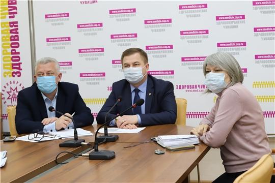 Чувашия - первая в числе регионов России по дополнительным выплатам медикам