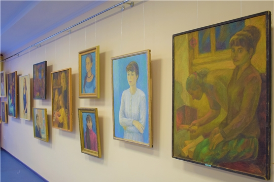Вековому юбилею Чувашии посвящена выставка чувашского художника Владимира Енилина