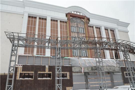Министр культуры Константин Яковлев ознакомился с ходом реконструкции Чувашской государственной филармонии