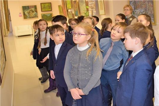 Дом Дружбы народов Чувашии продолжает знакомить школьников с творчеством чувашских художников