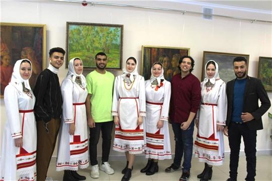 Иностранные студенты вузов Чувашии – участники международного литературно-музыкального фестиваля «О тебе, моя Чувашия!»
