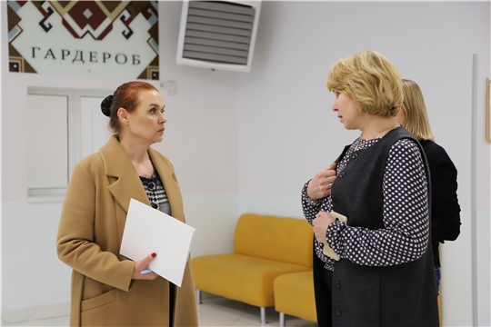 И.о. министра культуры Роза Лизакова посетила Чувашский государственный театр юного зрителя им. М. Сеспеля
