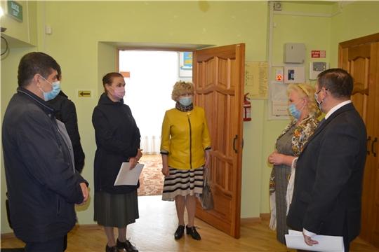 Министр Роза Лизакова проинспектировала ход ремонтных работ в учреждениях культуры Мариинско-Посадского района