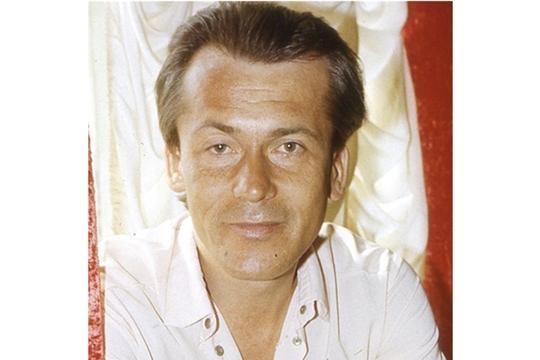 Светлой памяти заслуженного артиста Чувашской Республики Александра Сурина