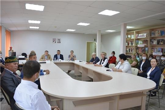 Министр культуры Роза Лизакова посетила Яльчикский район
