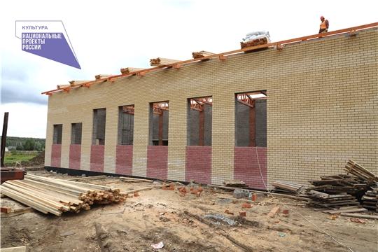 В Вурнарском районе продолжаются работы по строительству сельского дома культуры в д. Буртасы
