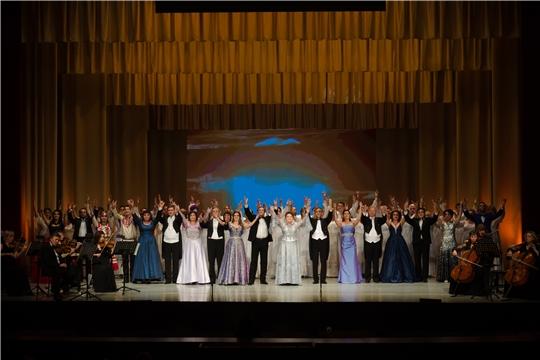 Театр оперы и балета открыл 61-й театральный сезон