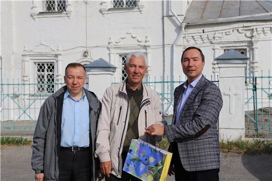 Сотрудники Минкультуры Чувашии поздравили ветеранов отрасли