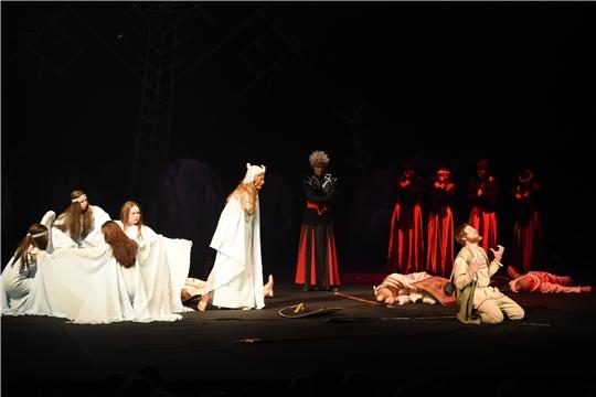 Состоялась премьера спектакля «Шуйтан чури» (Раб дьявола) по пьесе классика чувашской поэзии Якова Ухсая