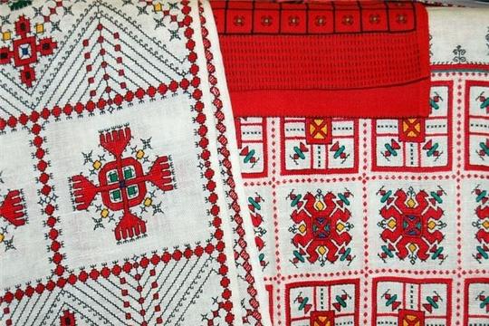 Национальная библиотека предлагает ознакомиться с книгой «Вышивка саратовских чуваш»