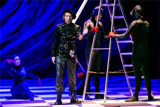"""XXX Международный оперный фестиваль в Чувашском государственном театре оперы и балета открылся премьерой оперы """"Капулетти и Монтекки""""."""