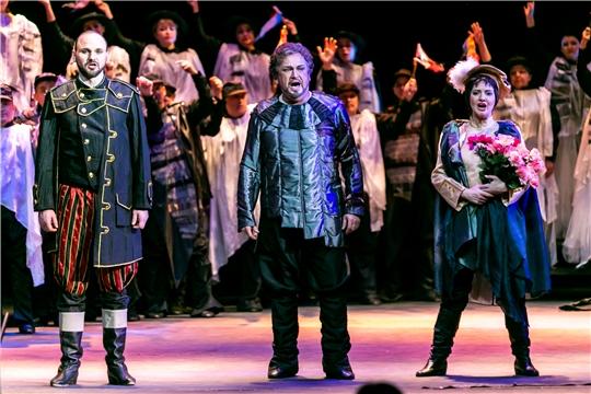 Опера «Бал-маскарад» - музыкальный подарок людям в белых халатах