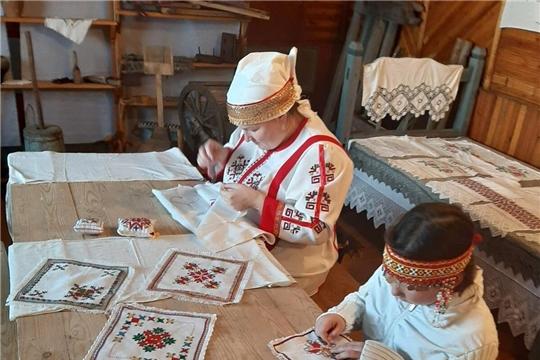 День чувашской вышивки отмечают земляки из регионов России