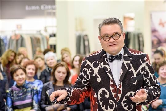 15 декабря в Чувашском национальном музее начинает работу выставка «Звуки моды» с участием историка моды Александра Васильева