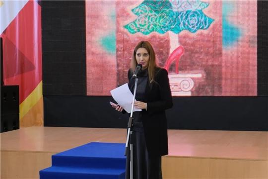В Театре оперы и балета открылась выставка международного художника современного искусства Каллисты Ивановой
