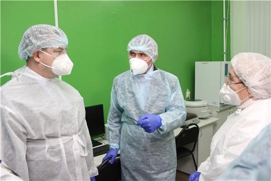 В Чувашии увеличивают мощности лабораторий для диагностики COVID–19
