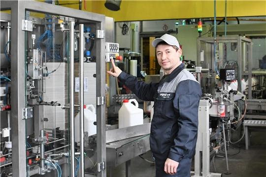 Филиал АО Фирма «Август» «Вурнарский завод смесевых препаратов» продолжает наращивать производство