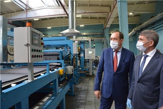 Олег Николаев обсудил меры поддержки системообразующих предприятий республики