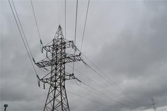 Чувашские энергетики устанавливают птицезащитные устройства на линиях электропередач