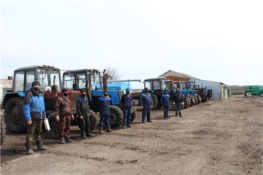В хозяйствах Цивильского района идет осмотр готовности техники к выходу в поле