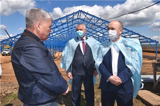 Сергей Артамонов в рамках рабочей поездки ознакомился с ходом реализации проектов развития АПК Чебоксарского района