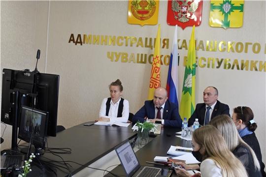 """Вопросы развития АПК обсуждены на """"прямой линии"""" с министром"""