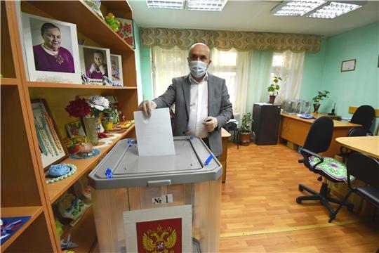 Сергей Артамонов принял участие в голосовании по поправкам в Конституцию