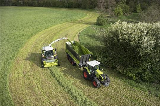 В хозяйствах республики скошено более половины укосной площади многолетних трав