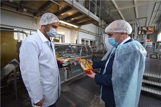 Сергей Артамонов ознакомился с работой хлебокомбината «Петровский»