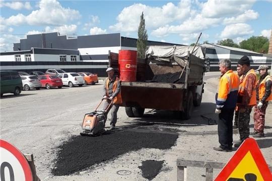 В Шумерле проводятся дополнительные работы по ямочному ремонту автомобильных дорог