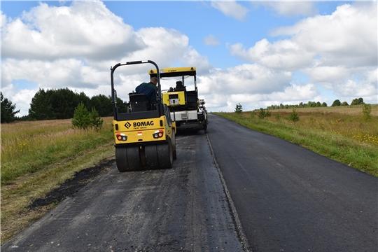 В Ядринском районе ведутся работы по ремонту автодороги