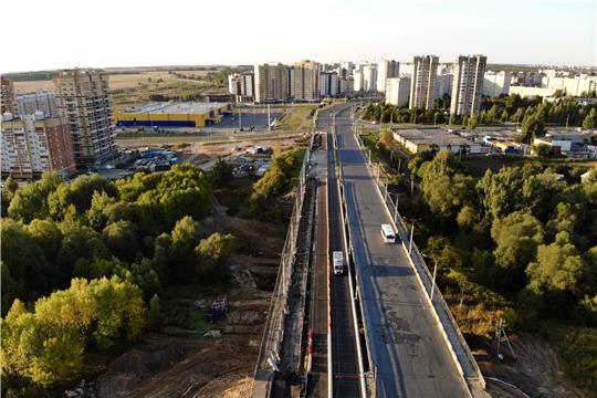 На путепроводе и мосту по пр. Тракторостроителей частично открыто движение на ремонтируемом участке