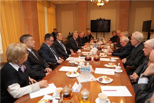 Михаил Игнатьев встретился с членами Совета старейшин при Главе Чувашской Республики