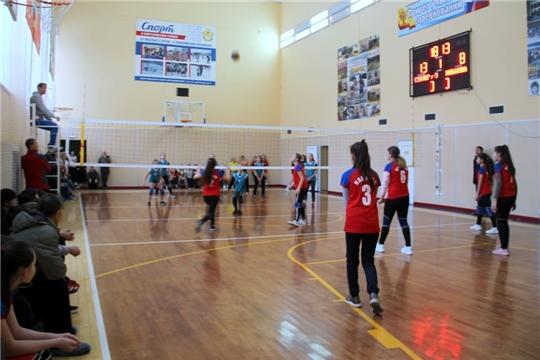 В Моргаушском районе проходит волейбольный турнир среди школьников на Кубок Молодежного парламента