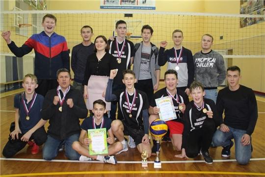 Кубок Молодежного парламента снова завоевала команда юношей Орининской СОШ