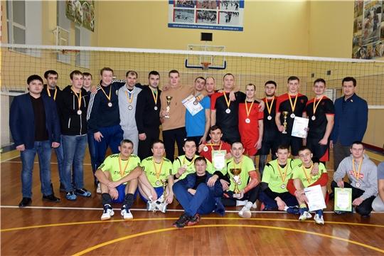 В Моргаушском районе состоялся Кубок «Четырех» среди сильнейших команд района по волейболу: победила команда «МетПласт»