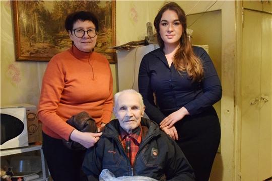 Долгожителя Московского района г. Чебоксары Сергея Тапотникова поздравили с 90-летием
