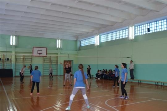 В Московском районе г. Чебоксары проведен 8-ой волейбольный турнир памяти учителя физкультуры Анатолия Васильева