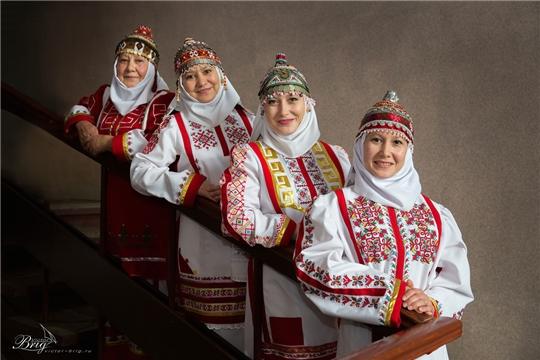 За три дня онлайн-конкурса «Перле – Вместе» представлено 30 работ с изображением чувашского костюма