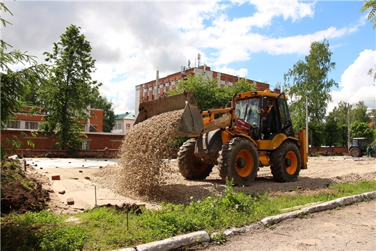 На территории Чувашского государственного университета им. И.Н. Ульянова сооружается новое футбольное поле
