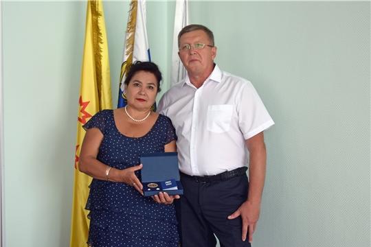 В Чебоксарах чествовали супружескую пару, которая вместе уже 4 десятка лет